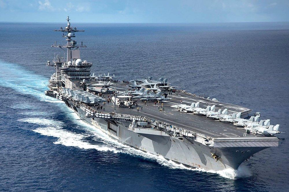 авианосец США Гарри Труман